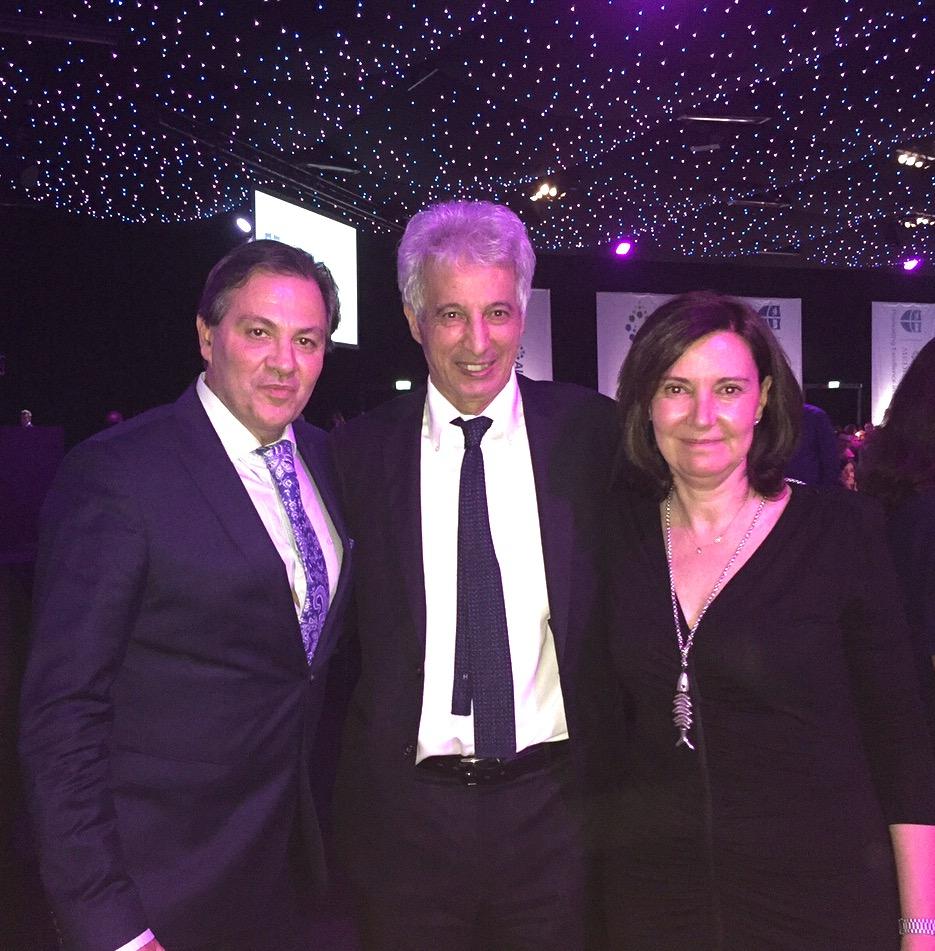 Con el Dr Ortiz y Lakhdar Belhaouari en cena del congreso - Londres 2016