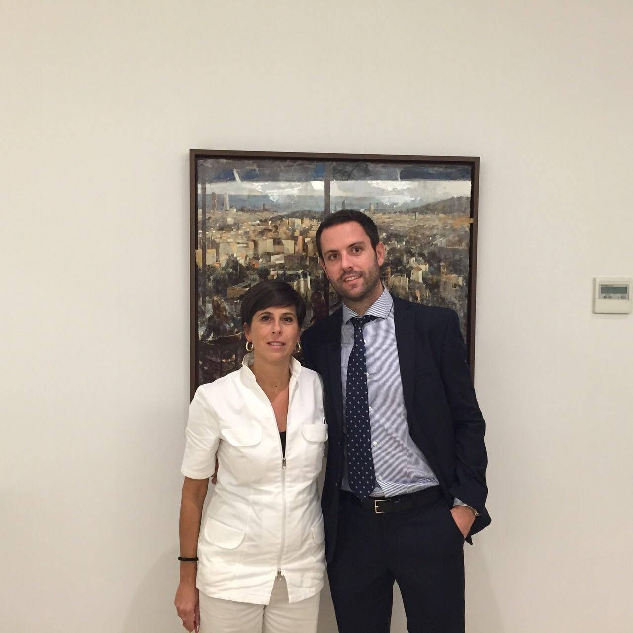 El Dr Ramos con Laura durante su estancia en nuestra consulta - Noviembre 2014